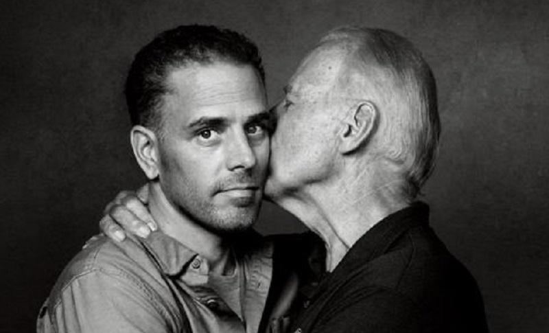 Conduttore televisivo pro Trump attacca Joe Biden per un bacio al figlio: «Vi sembra appropriato?»