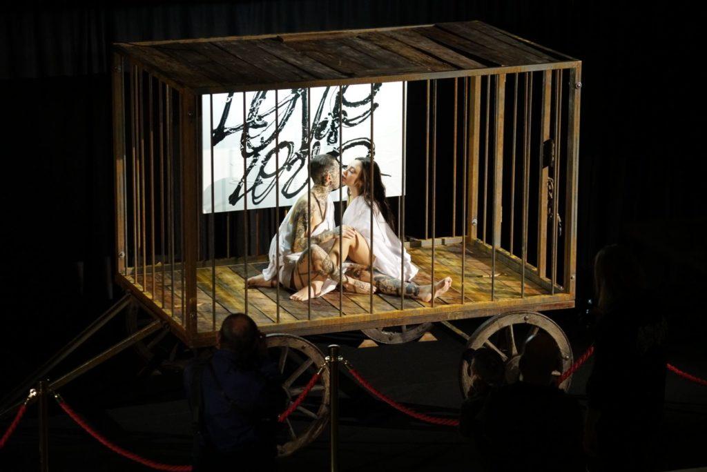 Love is Love, l'opera metafisica di Achille Lauro nella Mole Antonelliana