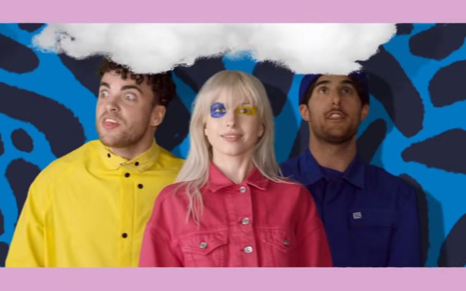 Paramore, shade di Hayley Williams agli ex membri: «Non perdoniamo chi abbandona gli amici LGBTQ+»