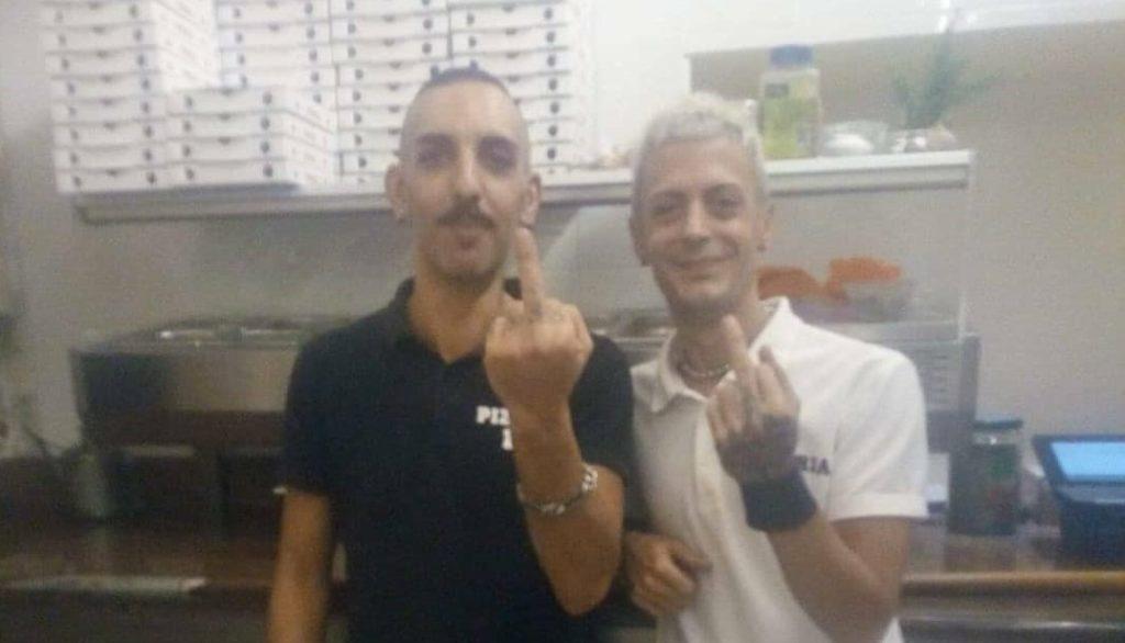 Torino, lettera omofoba ai gestori della pizzeria: «Siete dei c**attoni, avete l'AIDS»