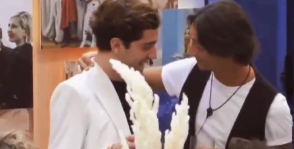 Il bacio tra Tommaso Zorzi e Francesco Oppini al GF VIP fa impazzire Twitter