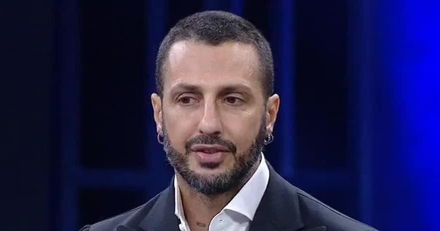 Fabrizio Corona: «I politici sono le persone meno potenti. Sono tutti gay»