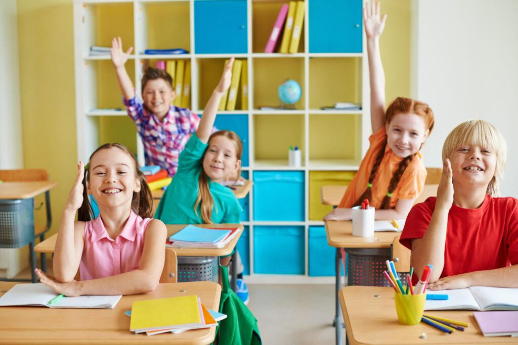 Firenze, a scuola Cappuccetto Rosso diventa maschio ma alcuni genitori urlano allo scandalo