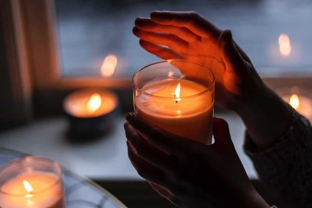 Bussy Candle, la candela che profuma di sedere maschile