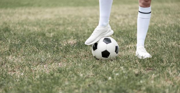 Bodyshaming e omofobia contro le giocatrici: 9 mesi di squalifica per l'allenatore