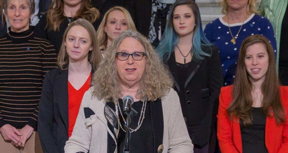 Stati Uniti, Rachel Levine è la prima donna trans nominata sottosegretaria alla sanità