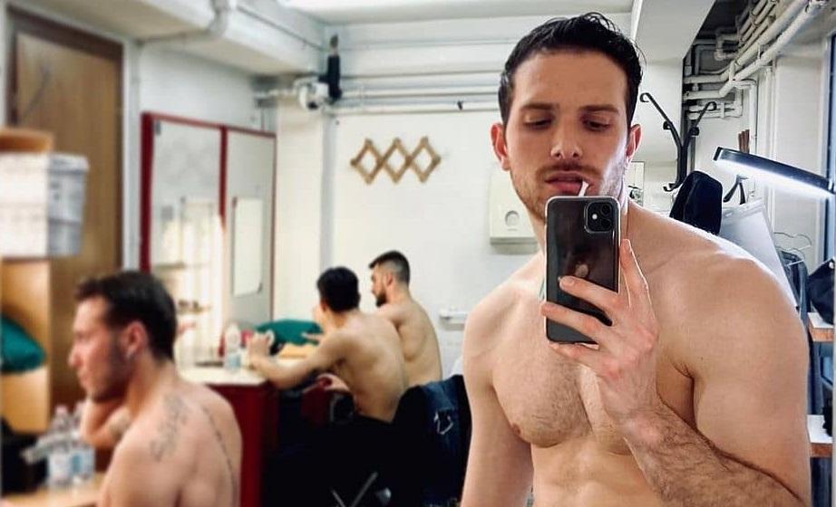 Beauty Routine: i ragazzi di NEG Zone allo specchio