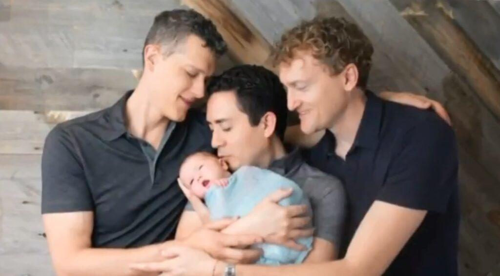 California, tribunale riconosce come genitori tre uomini in una relazione poliamorosa
