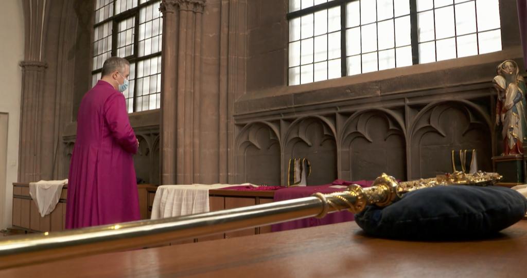 I preti tedeschi si ribellano al Vaticano: il 10 maggio benediranno le coppie LGBT+