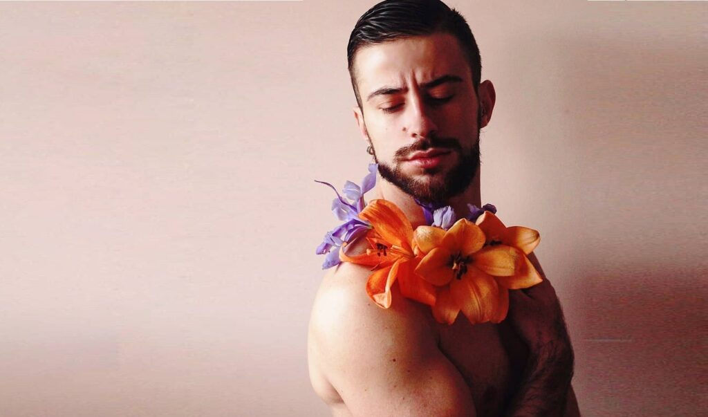Flowers: la primavera senza fretta dei ragazzi di NEG Zone