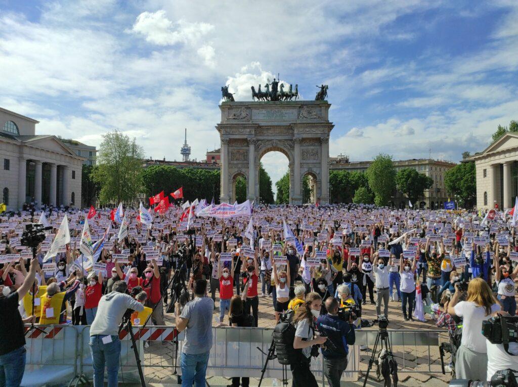 Ddl Zan, Tempo Scaduto: in 8mila a Milano per chiederne l'immediata approvazione