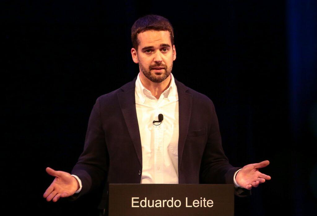 Brasile, il candidato alle presidenziali Eduardo Leite fa coming out: «Sono gay e orgoglioso»