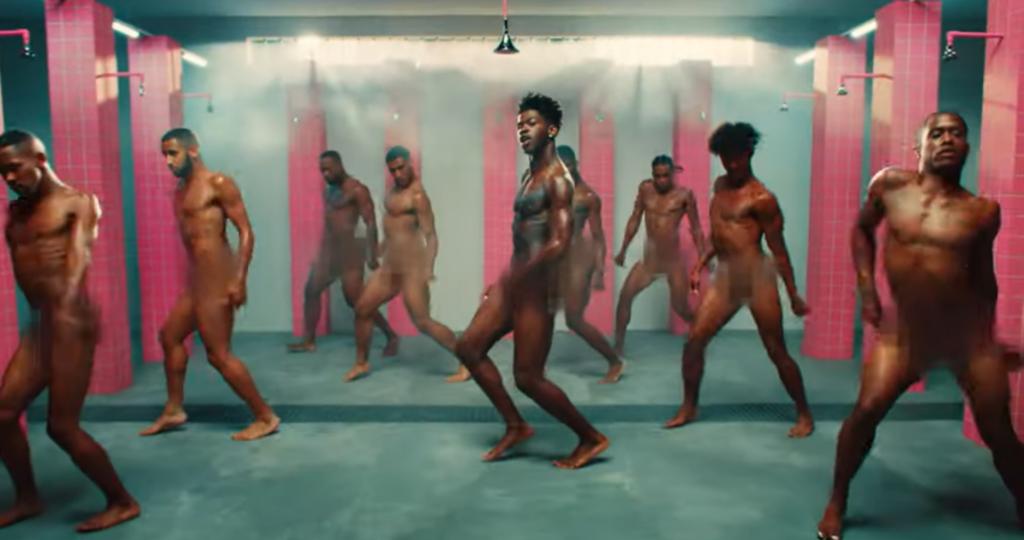 Lil Nas X twerka in carcere: la provocazione dietro al video di Industry Baby