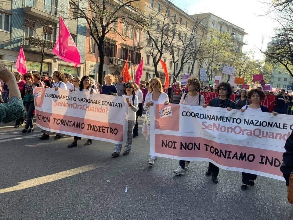 Renzi smentito da SeNonOraQuando: «Noi favorevoli a ddl Zan senza mediazione»