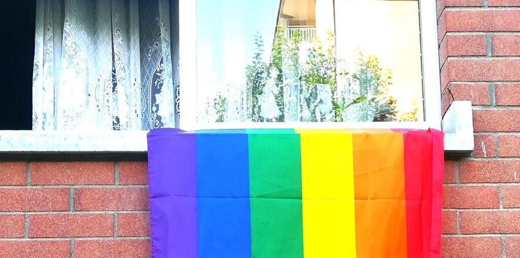 Torino, minacce e insulti omofobi dal vicino di casa: «se ti becco ti massacro»