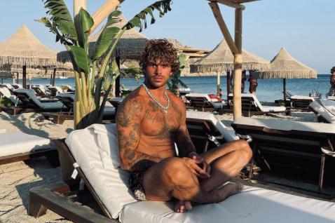 Claudio Sona: «Mi fermano per strada per dirmi che non sembro gay»
