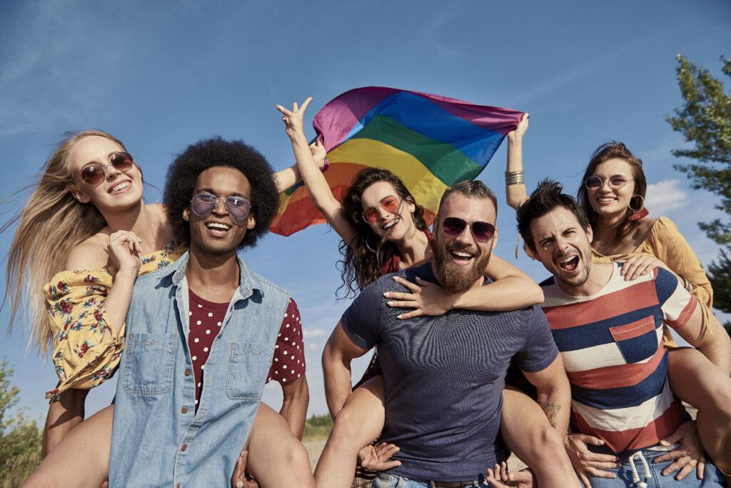Unə italianə su venti si definisce LGBT+, la metà della Spagna