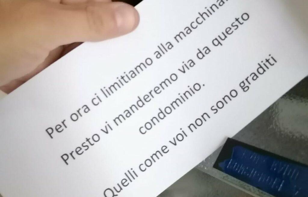 Torino, auto danneggiata e minacce: coppia gay denuncia condomini